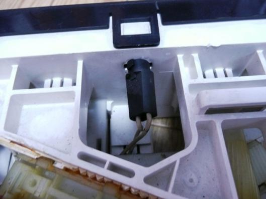 FN15エアコンユニット分解挑戦 (2)