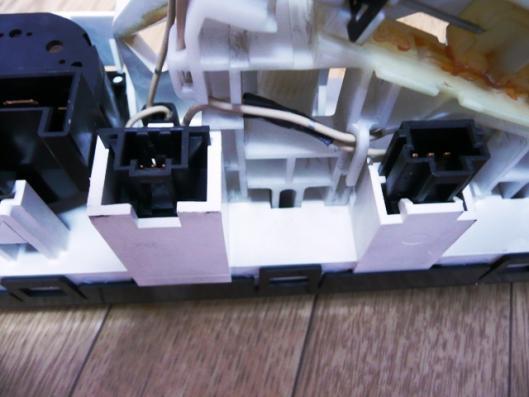 FN15エアコンユニット分解挑戦 (3)