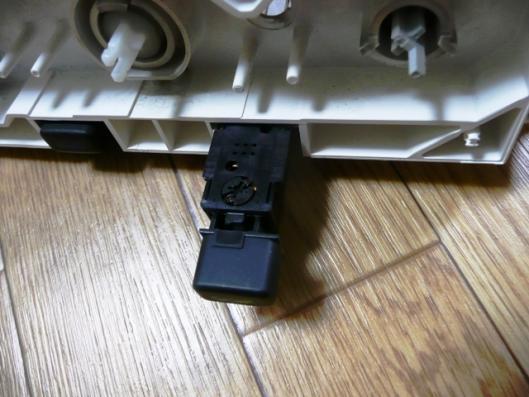 FN15エアコンスイッチユニット分解 (2)