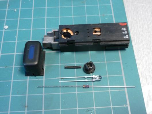 FN15エアコンスイッチイルミ用LED製作 (1)