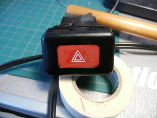 ハザードスイッチ赤色塗装 (4)