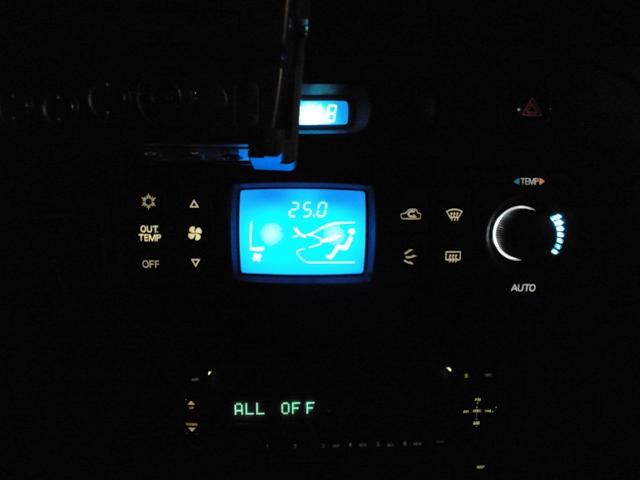 CN9A エアコンコントロールスイッチ 夜
