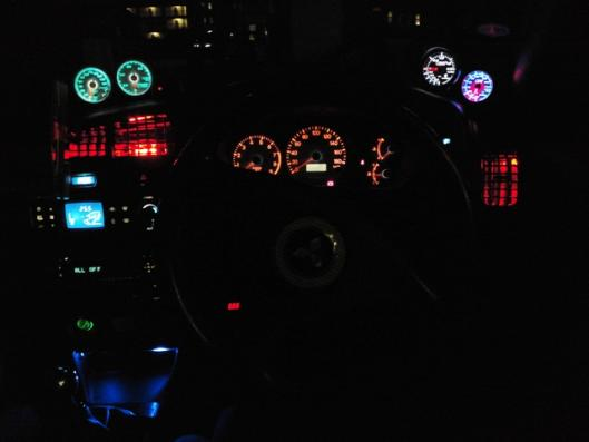 赤色帽子型LED3発仕様エアコン吹き出し口(夜)