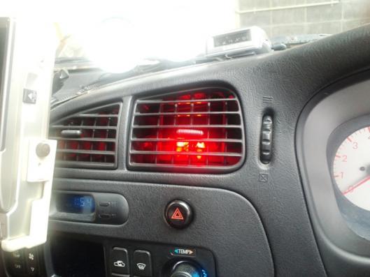 エアコン中央LED照明