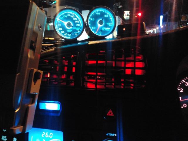 帽子型赤色LED3発仕様 遮光板取り付け後(夜)