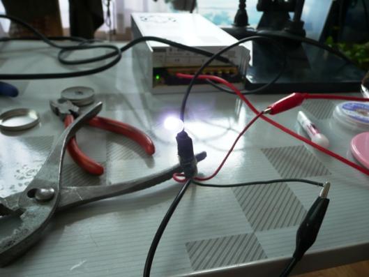 自動車用白色汎用LED 発光テスト