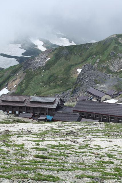 二つの小屋