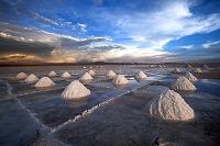 energy-lithium-salt-desert-bolivia-mounds_30250_big.jpg