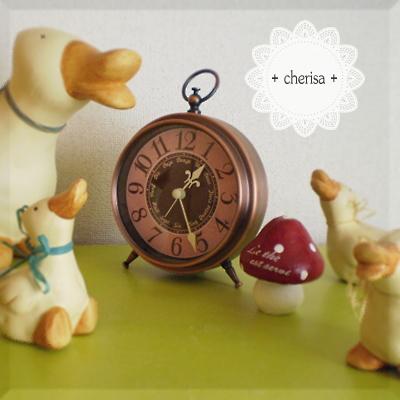アンティーク風の置時計