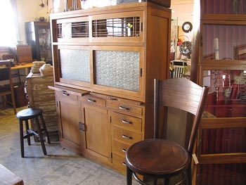 昭和レトロ 古民家スタイル 古い水屋タンス 食器棚