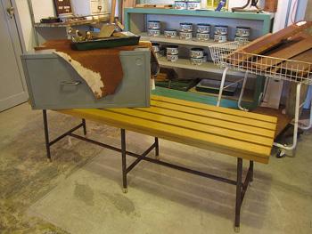 リメイク家具 リデザイン マスタード色のロングベンチ
