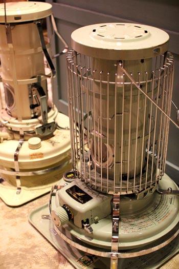 アラジンストーブ ブルーフレーム 暖房器具
