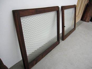 時代の建具 金網ガラスの窓
