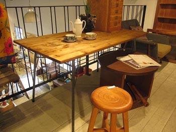 リメイク 古材Xスチール脚のダイニングテーブル
