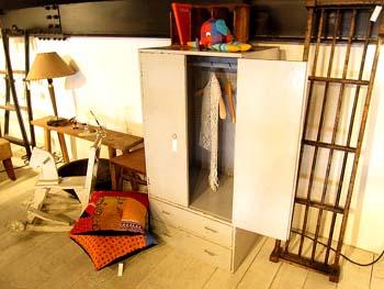 リメイク家具 リデザイン グレーペイントの子供クローゼット
