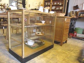ナチュラル家具 木味のカガラスケース