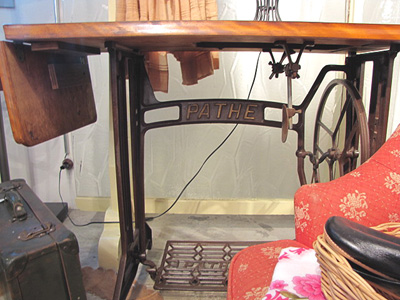 Reリメイク家具 工業用鉄脚×折り畳み作業台