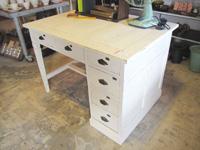 リメイク家具 白ペイントの作業ディスプレー台