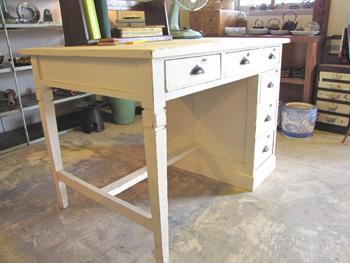 リメイク家具 白ペイントのフレンチ机
