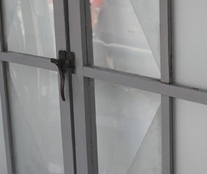 擦り硝子×観音開きの窓リメイク建具
