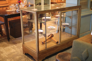 店舗什器!cafeさん雑貨屋さんガラスケース