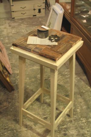 リメイク家具。ペイントや古木の家具