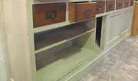 店舗什器古木×白シャビーシックの収納ディスプレー棚
