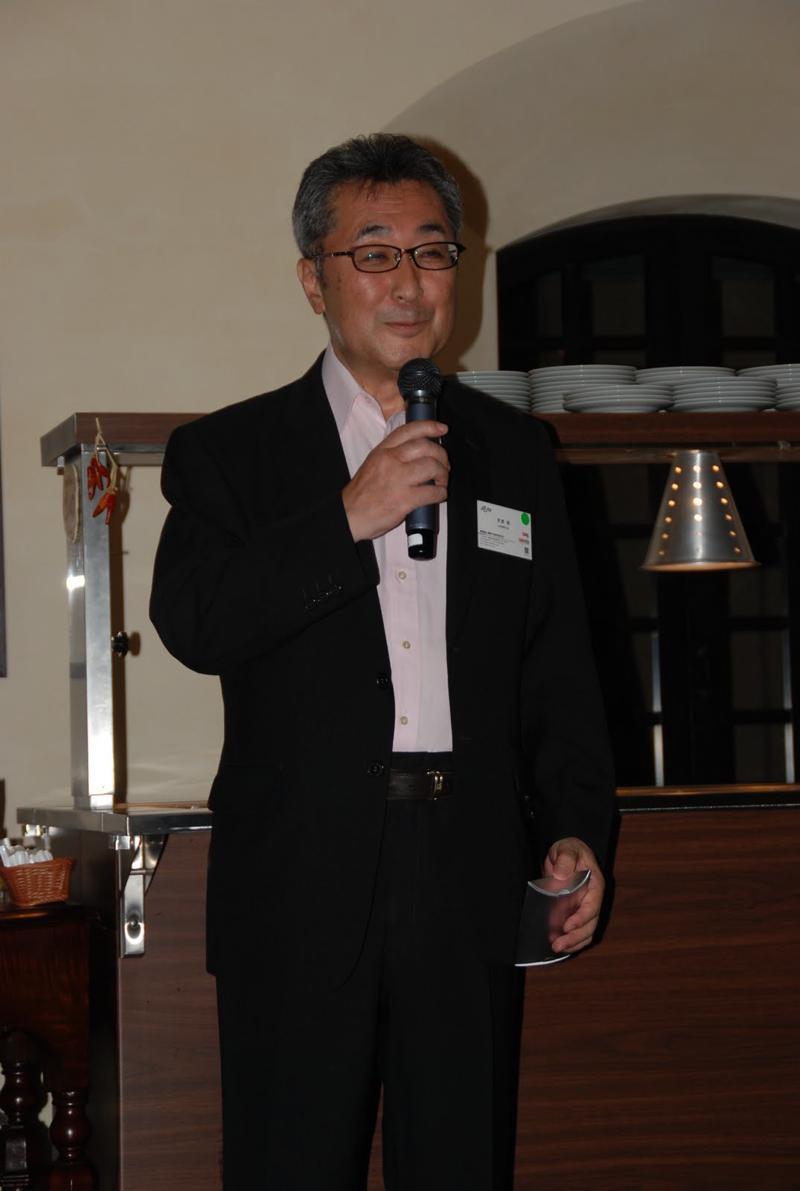写真1河西明新会長挨拶DSC_2388-s