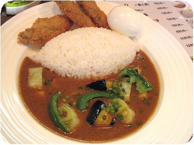 気まぐれ野菜カレー+カキフライ(トッピング)
