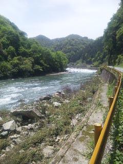 長門峡側 川