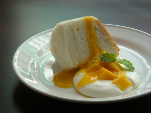 Chiffon Cake with Mango Web