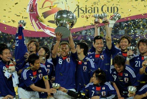 日本優勝!サッカーアジアカップ決勝 日本、劇的に最多4度目の頂点に!