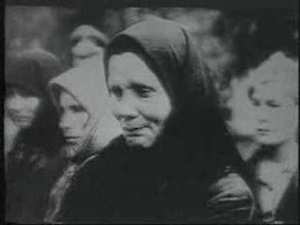当時、ソ連によって、ドイツの仕業だと捏造された虐殺事件 カティンの森事件