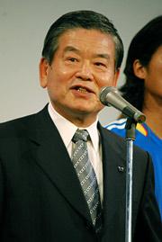 日本サッカー協会の川渕三郎名誉会長