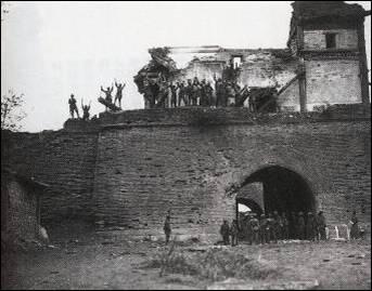 盧溝橋の西約200Mにある近くの宛平県城(別名盧溝橋城)