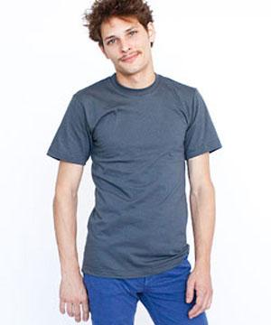 Tシャツとジャージ姿
