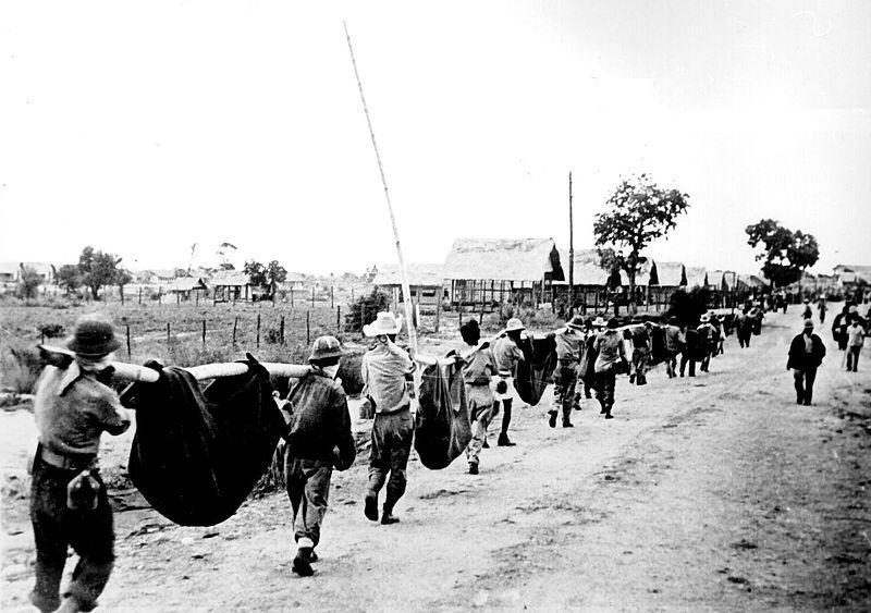 いわゆる「バターン死の行進」で犠牲になった米軍捕虜を丁寧に埋葬した日本軍