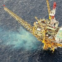 ガス田「白樺」、掘削の影響で海水が変色
