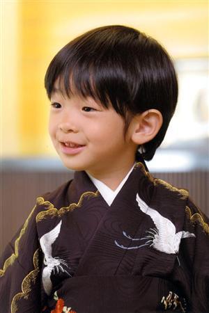 4歳の誕生日を迎えられた秋篠宮ご夫妻の長男、悠仁さま