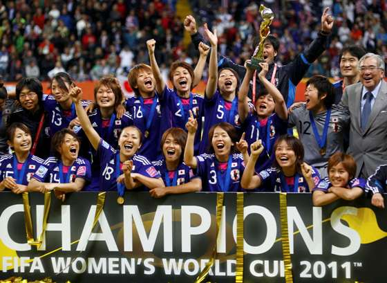 なでしこ優勝!PKで米国を下す・サッカー女子W杯、再度追い付きPK戦!・澤が得点王とMVP