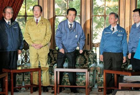 菅首相以下、閣僚らも防災服で閣議に臨んでいるが、何の意味があるのか