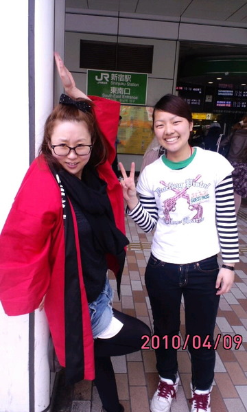 10年春ごろまで吉本芸人としてライブに出演していた女性コンビ「下駄チャーハンネジ」(コンビ名)