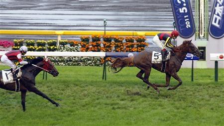 1番人気のオルフェーヴルが優勝 競馬の日本ダービー