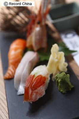 7月22日、米ニュース専門局CNNがアジア地区の観光情報を提供するサイト「CNNGO」で、「世界で最も人気の美食TOP50」を発表。4位に寿司、5位に北京ダックが登場した。