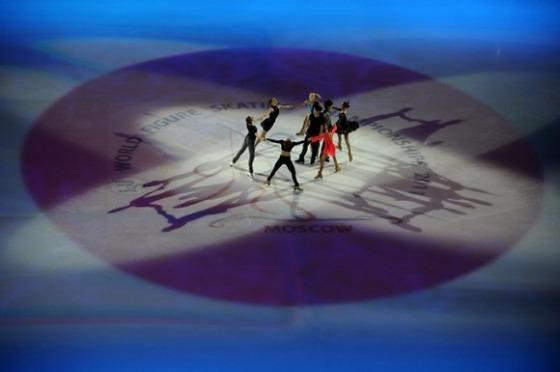 フジテレビは「世界フィギュア」エキシビションのフィナーレでの「氷上の日の丸」などを放送でカットした。