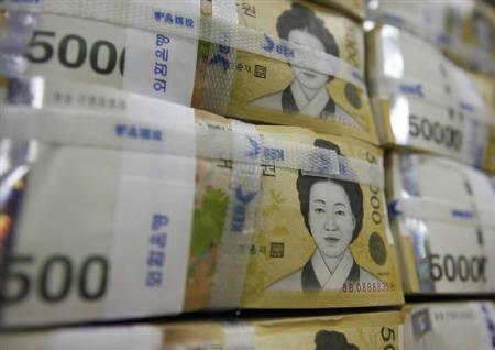 9月22日、韓国の朴企画財政相は、ウォン急落を受けて、同省の申次官と緊急に電話で会談した。