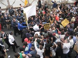反ウォール街デモで700人逮捕 格差是正など訴え