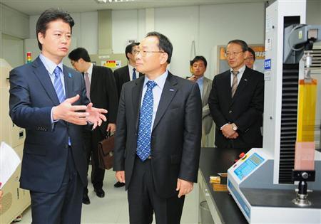 玄葉外相、韓国財界にEPA推進訴える