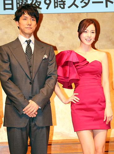 フジテレビ系連続ドラマ「僕とスターの99日」でダブル主演を務める西島秀俊(左)とキム・テヒ