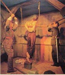 ホラー小説を基に作られた独立記念館(お化け屋敷)の拷問ジオラマ